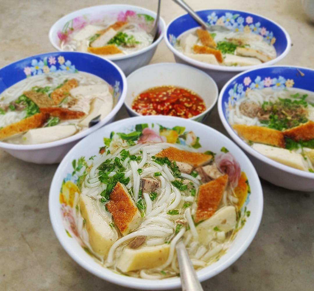 Bánh canh chả cá Bà Lý Phan Thiết