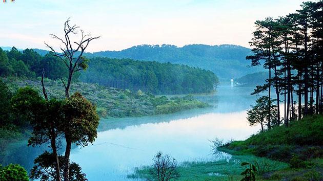 Khu du lịch Lá Phong