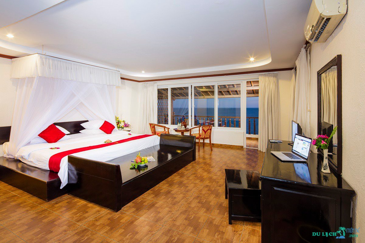 khách sạn Rock Water Bay Resort