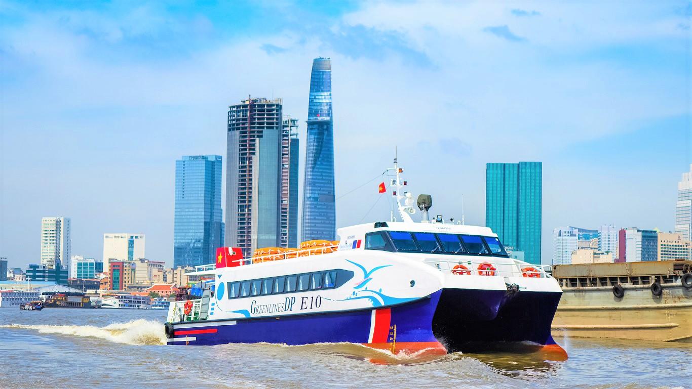 Tàu cao tốc đi đảo Phú Quý